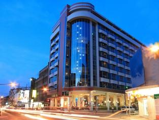 Golden Crown Grand Hotel