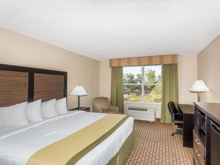 Baymont by Wyndham Fort Myers Airport