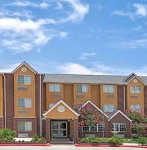 Microtel Inn & Suites by Wyndham San Antonio Downtown Northeast