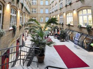 Singer109 Hotel & Apartment