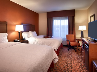 Hampton Inn Omaha/West Dodge Road, Old Mill