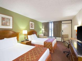 Days Inn by Wyndham Lafayette/University
