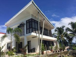 The Casa Herminia Entire 1st Floor