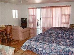 Backpackers Vacation Inn and Plantation Village