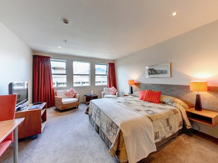 Coleraine Suites & Apartments