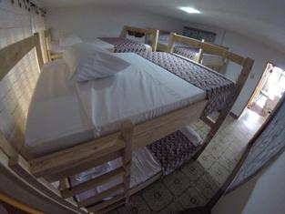 La Otra Mitad Hostel