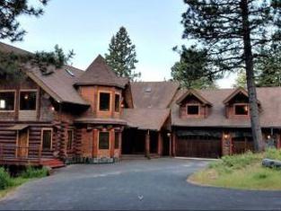Log Castle Inn