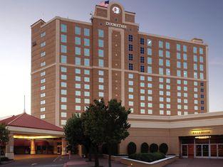 โรงแรมดับเบิลทรีบายฮิลตัน มอเดสโต