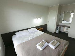 Maple Lodge Motel