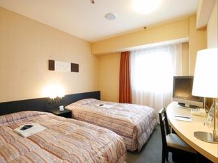 โรงแรมคราวน์ ฮิลส์ โคกุระ