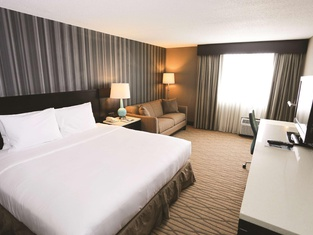 DoubleTree by Hilton Cleveland – Westlake