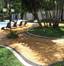 UpFront Hotel Lanville