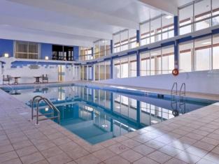 Days Inn & Suites by Wyndham Moncton