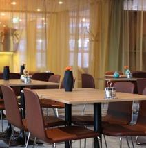 希尔科内斯斯堪迪克酒店