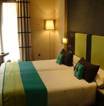Room Mate Carla
