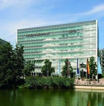 科隆媒體公園Nh酒店