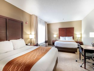 Comfort Inn & Suites Love Field – Dallas Market Center