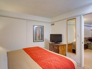 Comfort Inn Midwestern Square