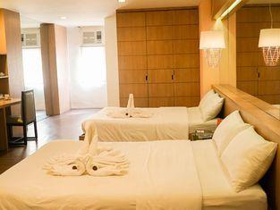 โรงแรมตาโกลบัน พลาซ่า
