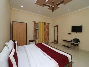 OYO 9307 Home Stay Hotel Nirmal Palace