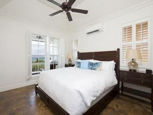 French Leave South Beach Bight II Villa
