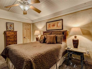 A Stones Thoreau - Two Bedroom Cabin With Hot Tub