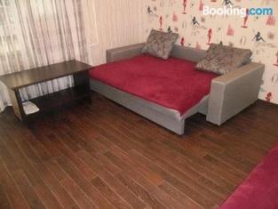 Apartments on Naberezhnaya Slavskogo 48