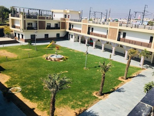 Hotel Kumkum Palace