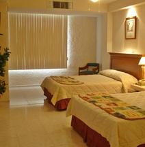 Hotel y Suites Nader