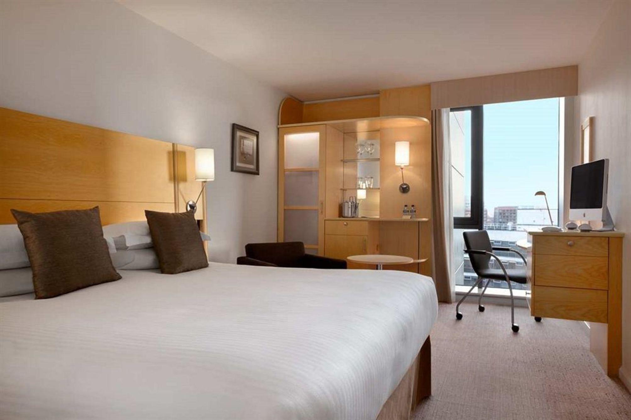 london hotel deals july