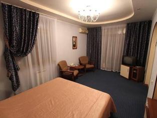 Tis Hotel
