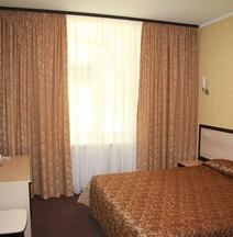 Sherston Hotel