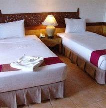 โรงแรมร้อยเกาะ รีสอร์ท แอนด์ สปา