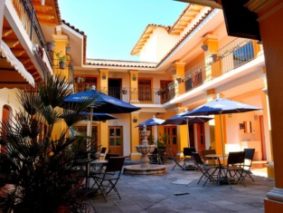 Hotel Aldama