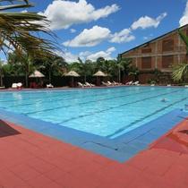 Le Club Hotel