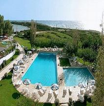 Irinna Hotel