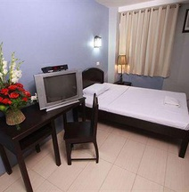 Sampaguita Suites Plaza Garcia