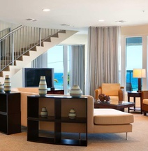 Gelegen in het Hilton Ft Lauderdale Beach Resort - Grote Junior Suite