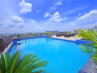 Pipul Padmaja Premium Hotel