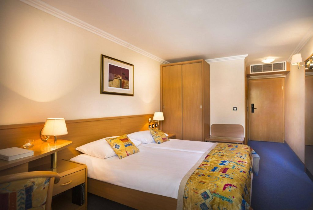 Corinthia Baska Sunny Hotel By Valamar Skyscanner Hotels