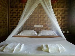 Ngwe Saung Garden Guest House