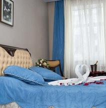提特拉诺伊欧斯比涅雅克酒店