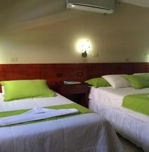Hotel Los Algarrobos