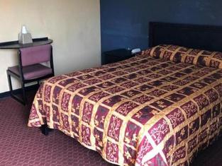 Country Host Inn