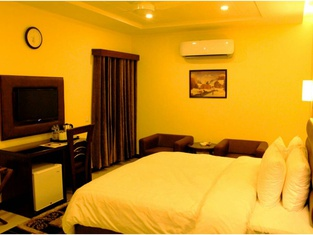 Hotel One Dera Ghazi Khan