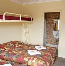 Motel 359