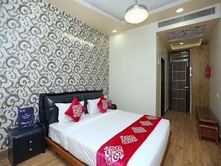 Shri Pushpraj Hotel