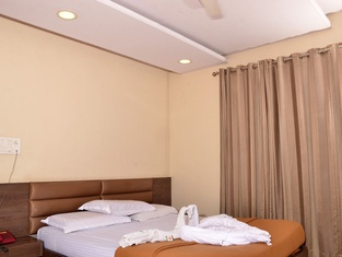 Hotel Ayodhya