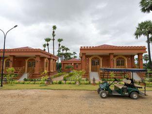 Royal KK Bagan Hotel
