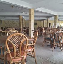 コーツランド ホテル